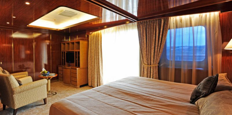 islandsky-ownersbalcony-suite